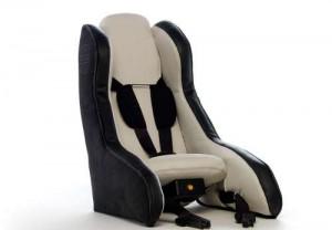 volvo-cria-cadeira-de-bebe-inflavel-300x208