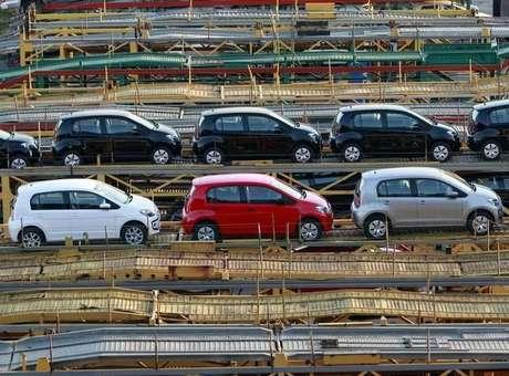 As montadoras estudam propor que a reforma tributária inclua uma redução da carga que incide sobre o financiamento de veículos.