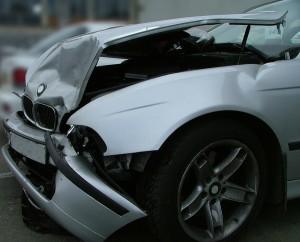 acidente-carro_mundo1-300x242