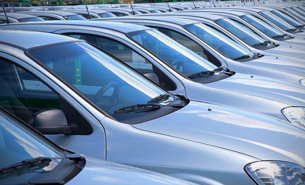 Mercado de locação de veículos vai na contramão da crise