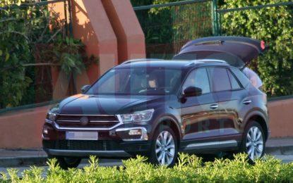 Novo Volkswagen T-ROC é flagrado com pouca camuflagem