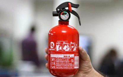 Extintor de incêndio ABC pode voltar a ser obrigatório para carros no Brasil