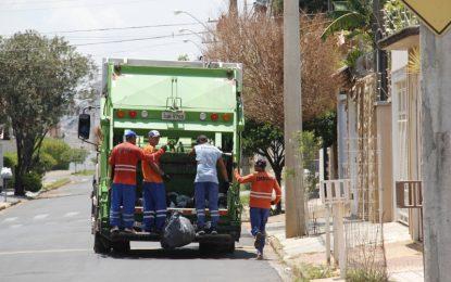 Aluguel de caminhões de lixo vai seguir em Bauru