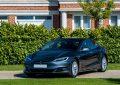 Mentalidade verde está fazendo com que Inglaterra seja invadida por Teslas