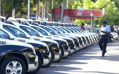 CE | Camilo Santana anuncia compra e aluguel de mais 600 carros da polícia
