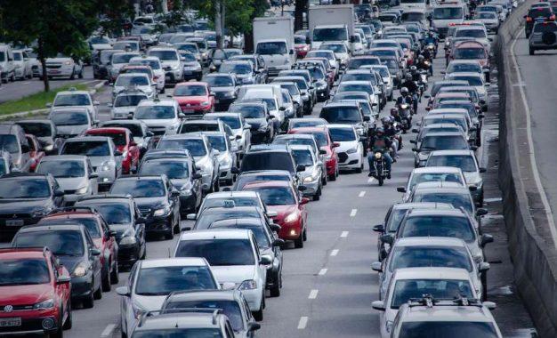 Prefeitura de SP faz parceria com Waze para melhorar trânsito