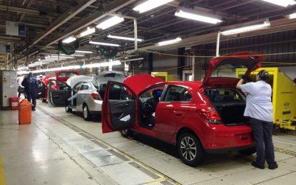 Produção de veículos cresce em outubro e exportação bate novo recorde