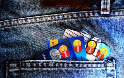 Pagamento de multas de trânsito no cartão de crédito divide opiniões