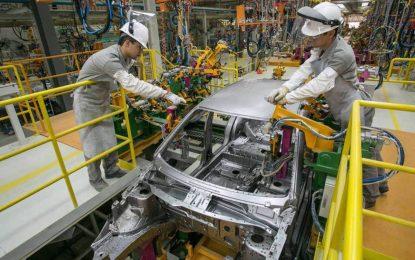 Produção industrial tem ritmo positivo