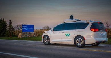 A corrida para ter o primeiro serviço de transporte autônomo do mundo