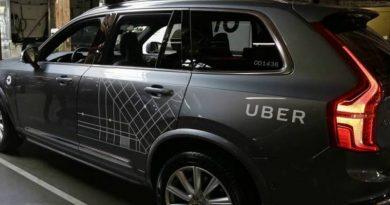 Uber não desistiu de carros autônomos, garante CEO