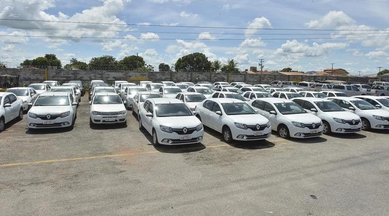 Locadoras de carros ampliam frota para atender demanda