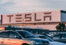 """Musk """"promete"""" carro 100% autônomo na Tesla até 2020. Será?"""