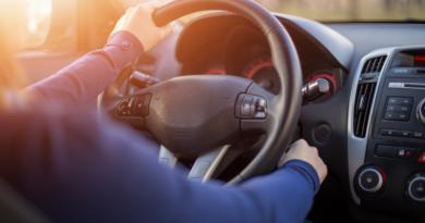 Relação dos Millennials com carros está mudando. Enquetecom 3.300 consumidores, descobriu que 32% das pessoas disseram que pretendem comprar um veículo.