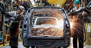 Cerca de 201 mil carros, entre automóveis de passeio e utilitários leves, deixaram de ser vendidos no Brasil no primeiro semestre deste ano.