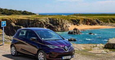 """Nova denominação dos serviços com a assinatura mobilize: a solução de mobilidade zity passa a se chamar """"zity by mobilize""""; novo nome da Renault mobility é """"mobilize share"""" e as soluções da elexent agora se chamam """"mobilize power solutions""""."""