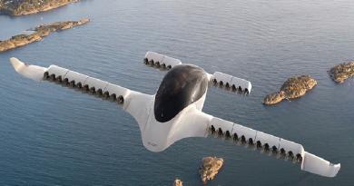 """A Azul Airlines está expandindo seus horizontes. Fez parceria estratégica com a fabricante de """"carros voadores"""" Lilium para trazer aviões elétricos ao país."""